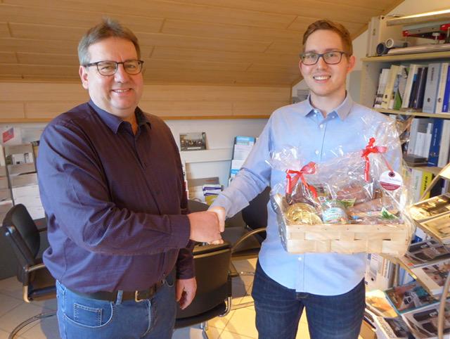 Tobias Jäger von der Jäger - Kaufmann GmbH ist Landkreisbester bei der Ausbildung zum Anlagenmechaniker für Sanitär-,  Heizungs- und Klimatechnik